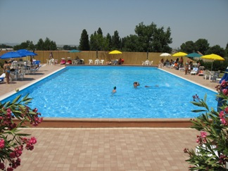 Paradise Swimming Pool di Campello